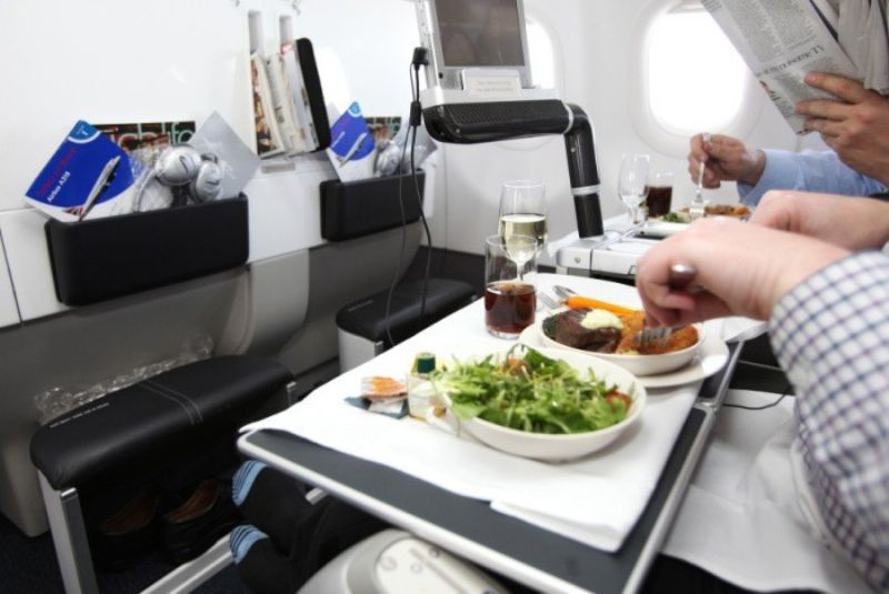 flight-meal_800x535